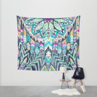 parrot-tribe-tapestries